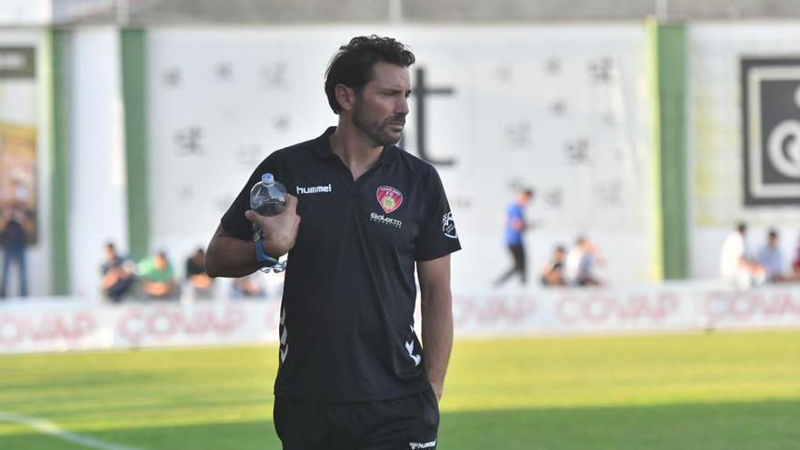 El Salerm destituye a Keko Rosano como técnico del equipo