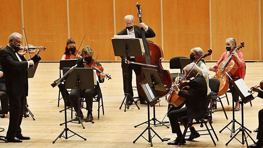 Sitkovetsky deleita en los Conciertos del Auditorio con la magia de Bach y Schubert