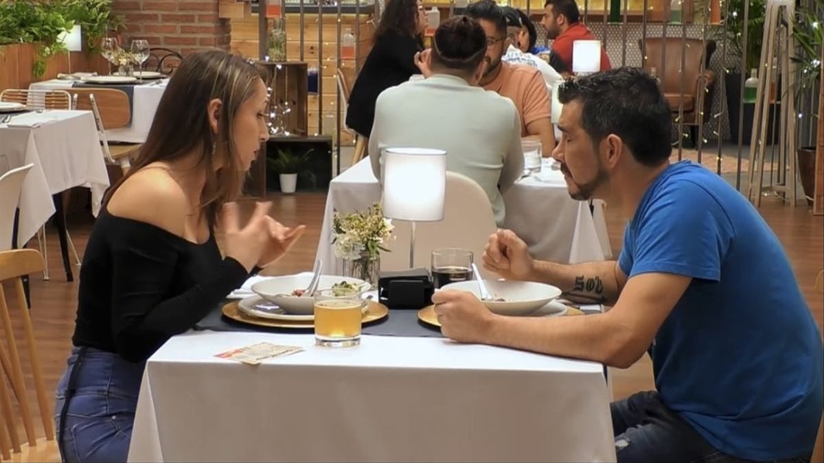 Gustavo y Mika, en 'First dates'.
