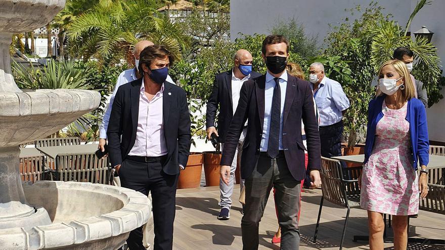 """Casado relanza al PP de Canarias y se ofrece como alternativa porque a Torres """"no se le oye en Madrid"""""""