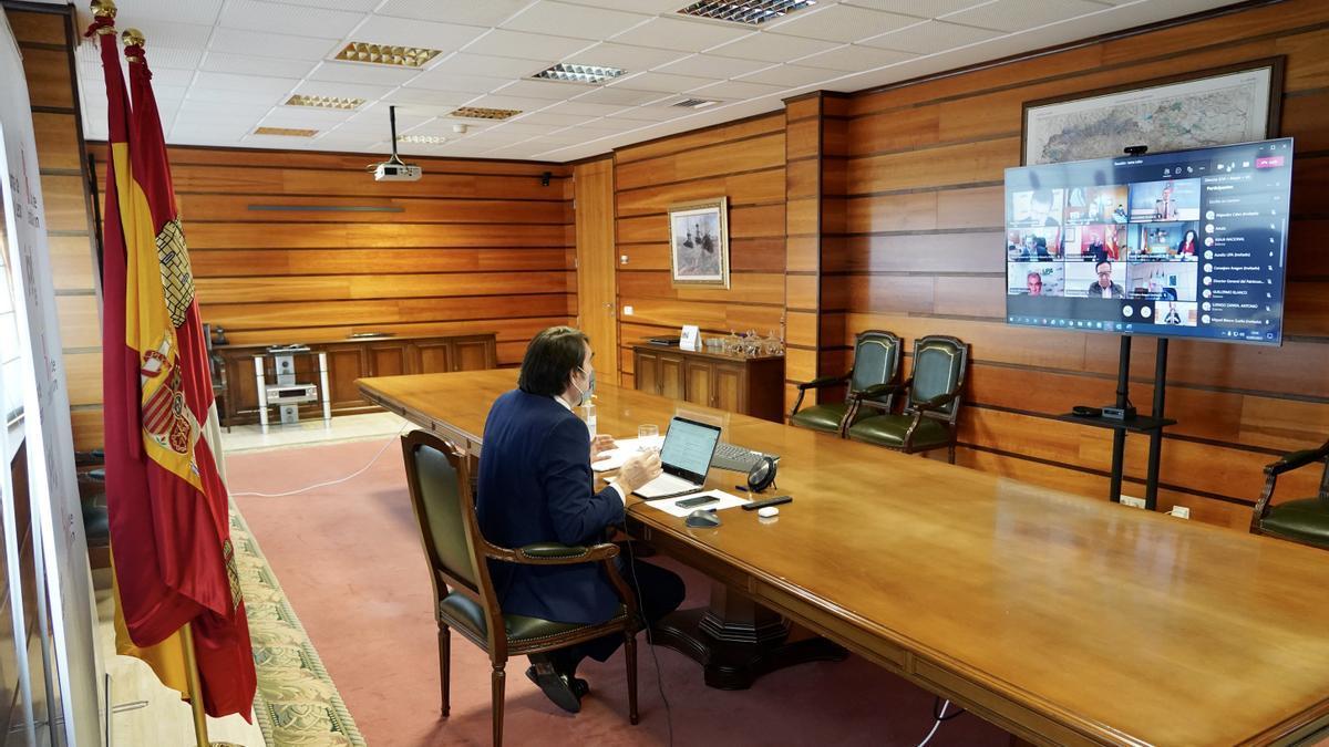 El consejero de Fomento y Medio Ambiente, Juan Carlos Suárez-Quiñones, durante la videoconferencia