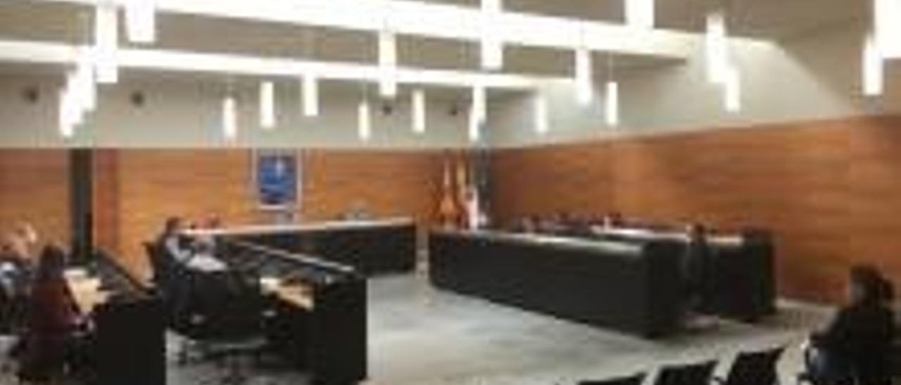 El salón de plenos del Ayuntamiento de San Vicente.