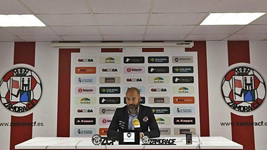 David Movilla, ayer en la sala de prensa del estadio Ruta de la Plata.