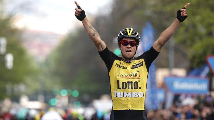Roglic gana en Bilbao una etapa en la que Contador ha sufrido dos caídas