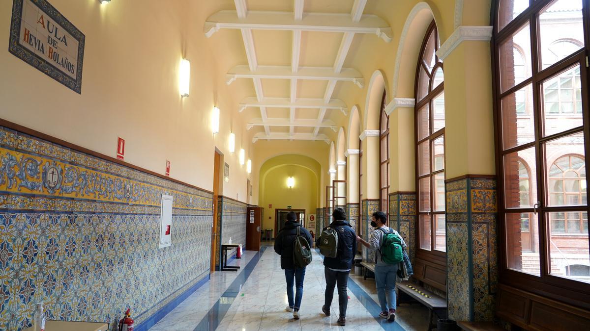 Universitarios en la facultad de Derecho de Valladolid.