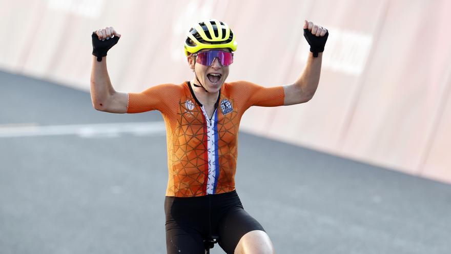 La neerlandesa Van Vleuten, oro en la contrarreloj femenina