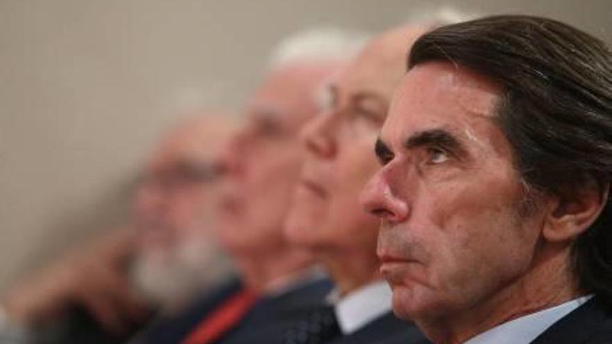 Aznar afirma que el «cop d'estat» continua sense desarticular-se