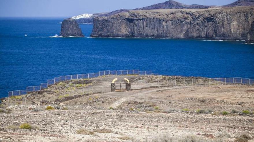 El Cabildo rechaza la planta de lodos de Botija por incumplir el Plan Insular