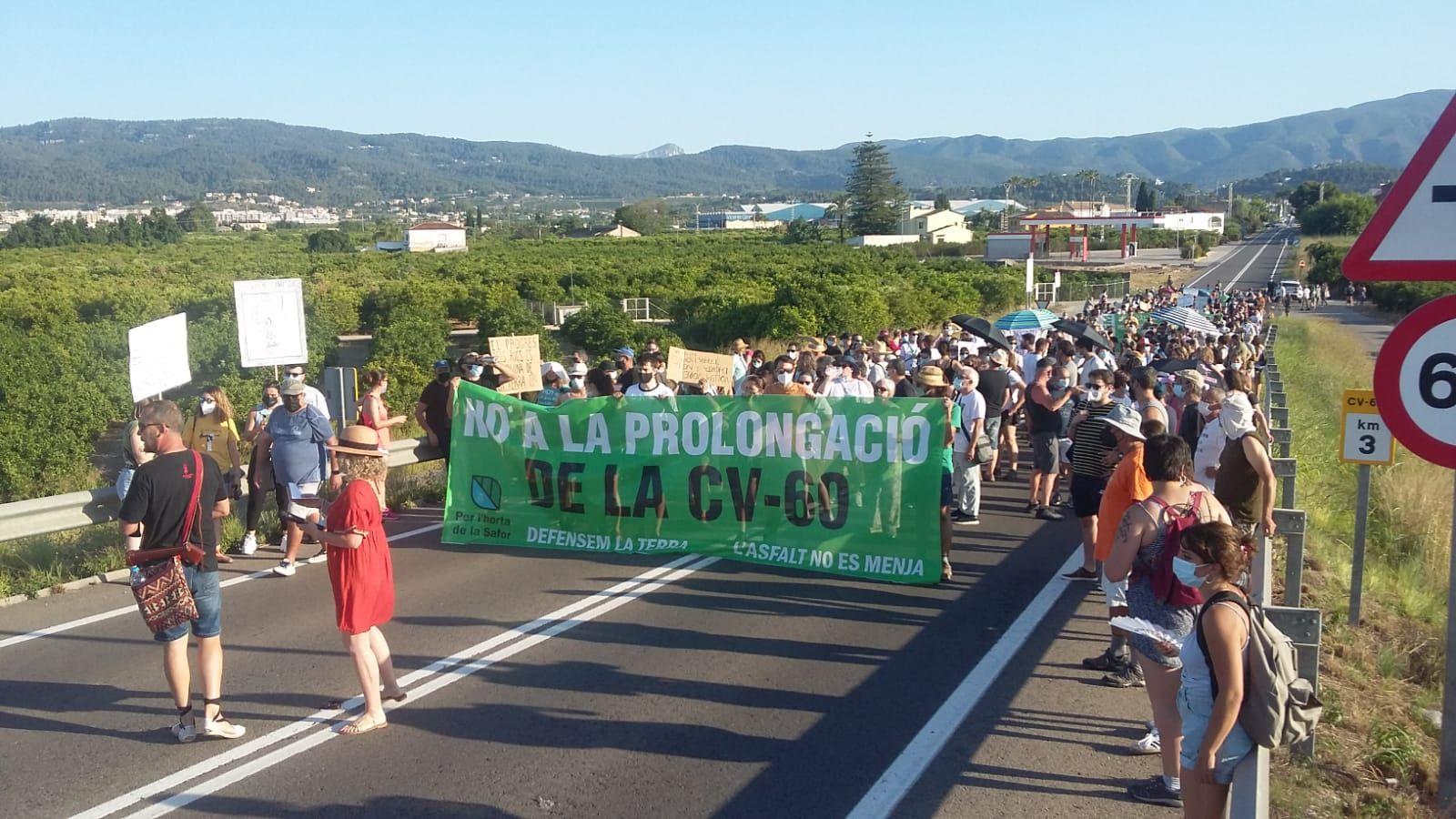 Manifestación contra la prolongación de la CV60 en la Safor