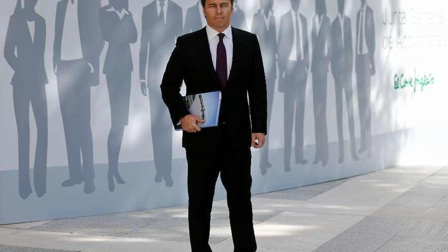 Gimeno aguanta el primer envite para destituirlo en El Corte Inglés