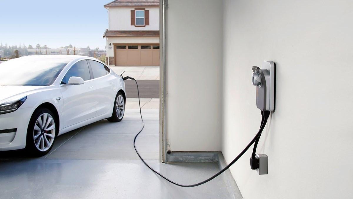Nueva tarifa de luz 2021: ¿A qué hora debo cargar el coche a partir del 1 de junio?