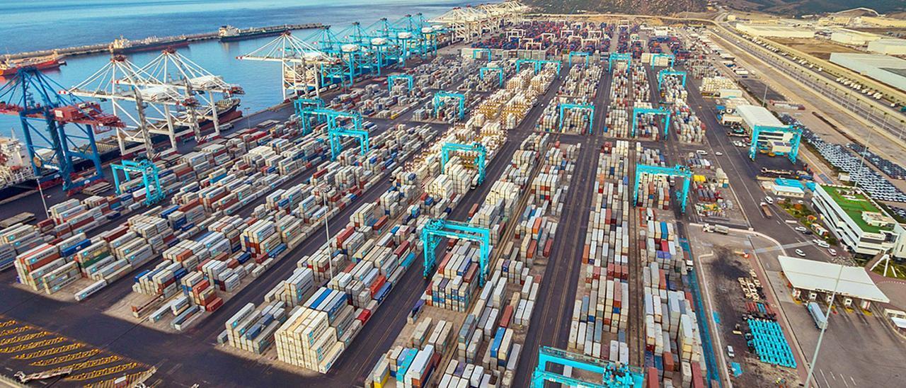 Imagen aérea de la terminal de contenedores gestionada por la naviera Maersk en el puerto norteafricano. | LEVANTE-EMV
