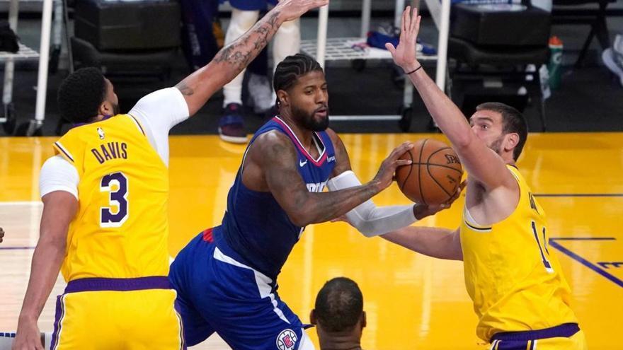 Marc Gasol debuta amb mal peu als Lakers