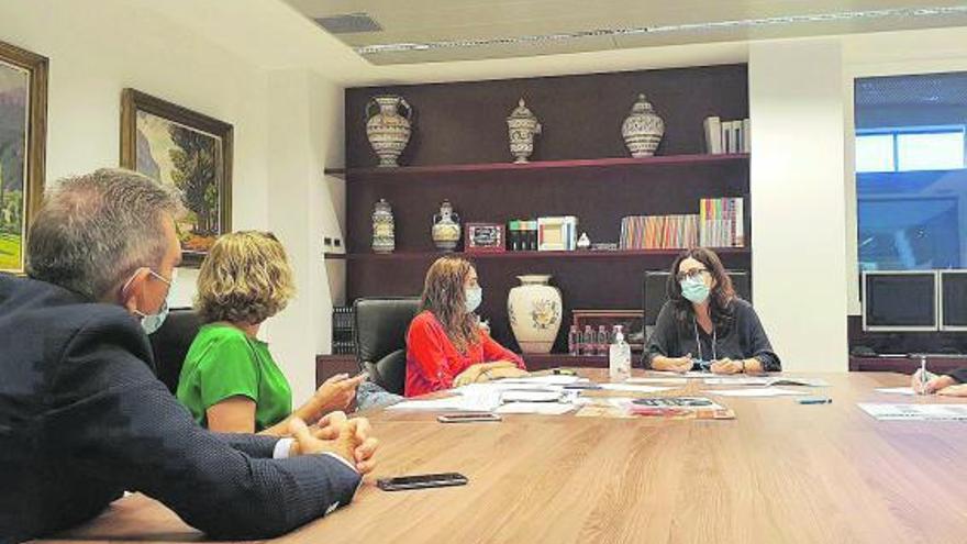 Carlet prorroga otra semana las restricciones pese a bajar los casos activos a 80