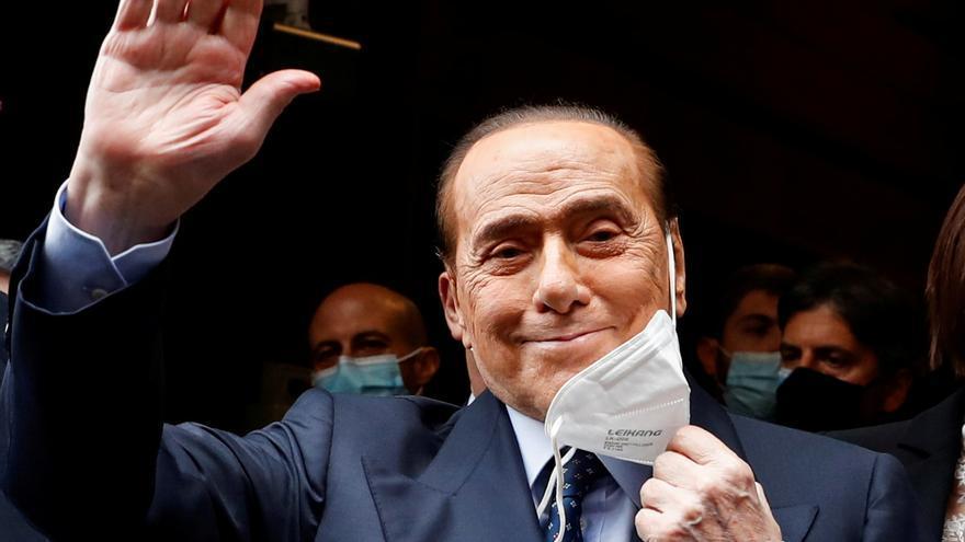 Silvio Berlusconi está hospitalizado desde el lunes