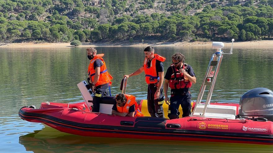 Tercer día de búsqueda de la niña desaparecida en el embalse de Madrid