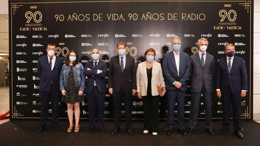 Radio València celebra sus 90 años en una gala con 600 personas
