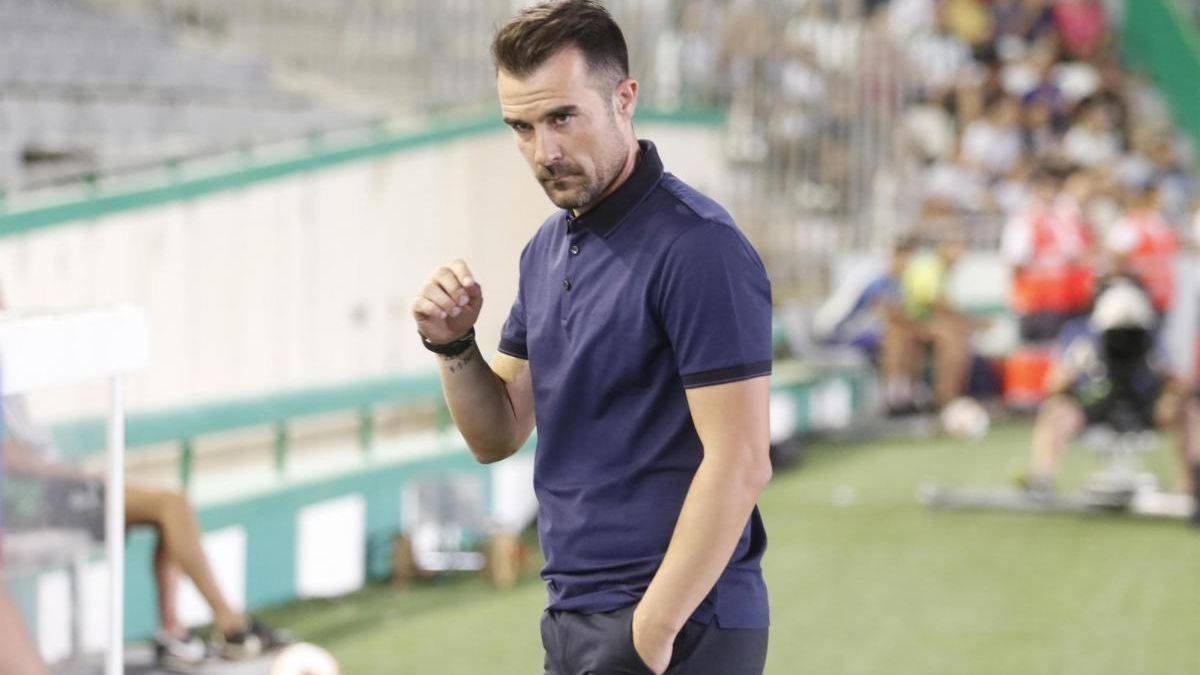 El Albacete despide al exblanquiverde López Garai
