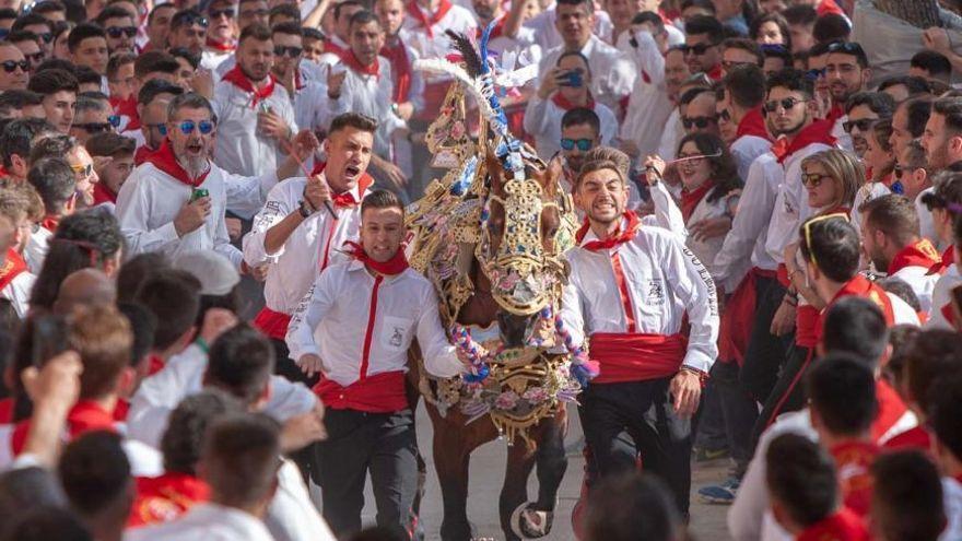 Caravaca de la Cruz suspende los Caballos del Vino y los Moros y Cristianos