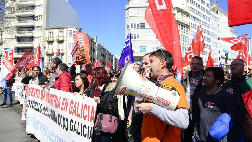 La plantilla de Alcoa acusa de inacción a la Xunta y le pide que se implique en la venta