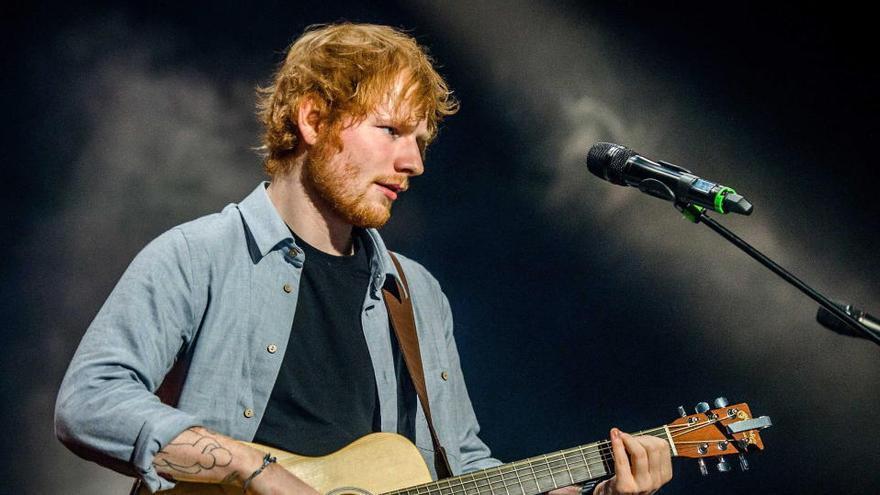 Ed Sheeran lanza una nueva canción como regalo navideño