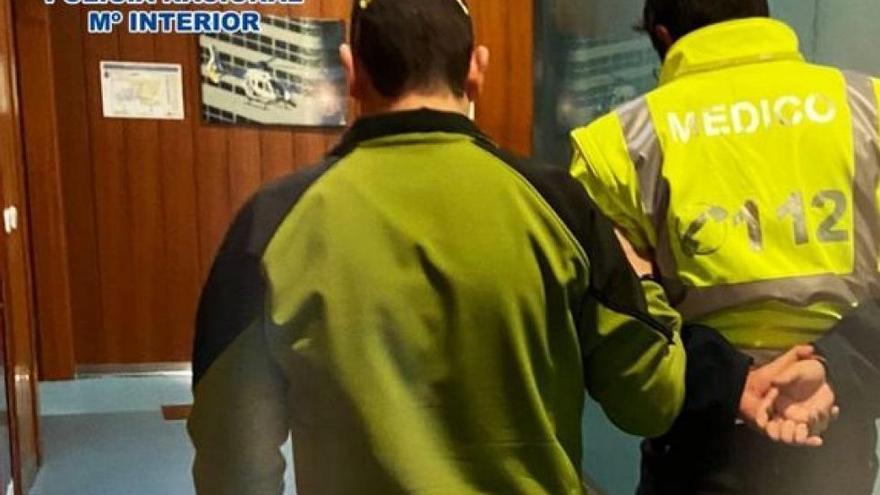 El falso enfermero que robaba en hospitales y asilos de Zaragoza, a juicio