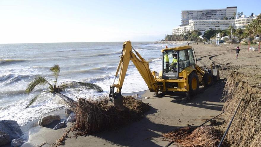 Filomena causa daños en las playas de Torremolinos