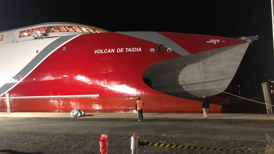 Naviera Armas pone a flote el 'Volcán de Taidía'