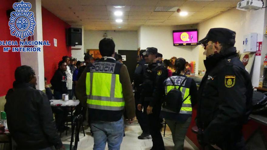 Tres detenidos por obligar a trabajar a extranjeros en situación irregular en Lorca