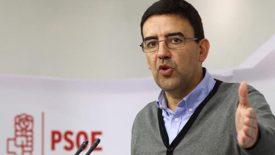 El PSOE planea convocar las primarias el 21 de mayo
