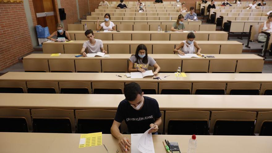 Más de 5.600 estudiantes encaran esta semana la EBAU con restricciones