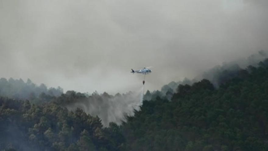 El incendio de Yeste, Albacete, ha quemado ya 100 hectáreas