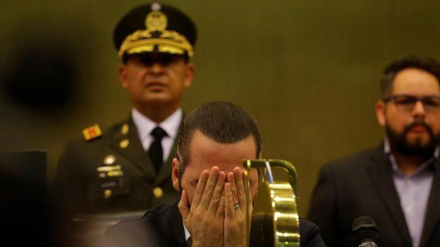 Bukele irrumpe con militares en el Congreso de El Salvador