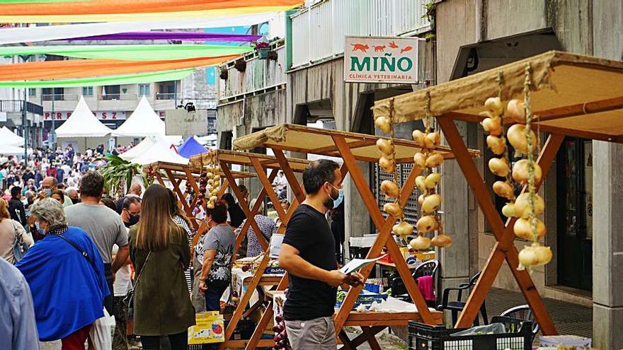 Miño celebra la vigésima edición de la Feira da Cebola Chata