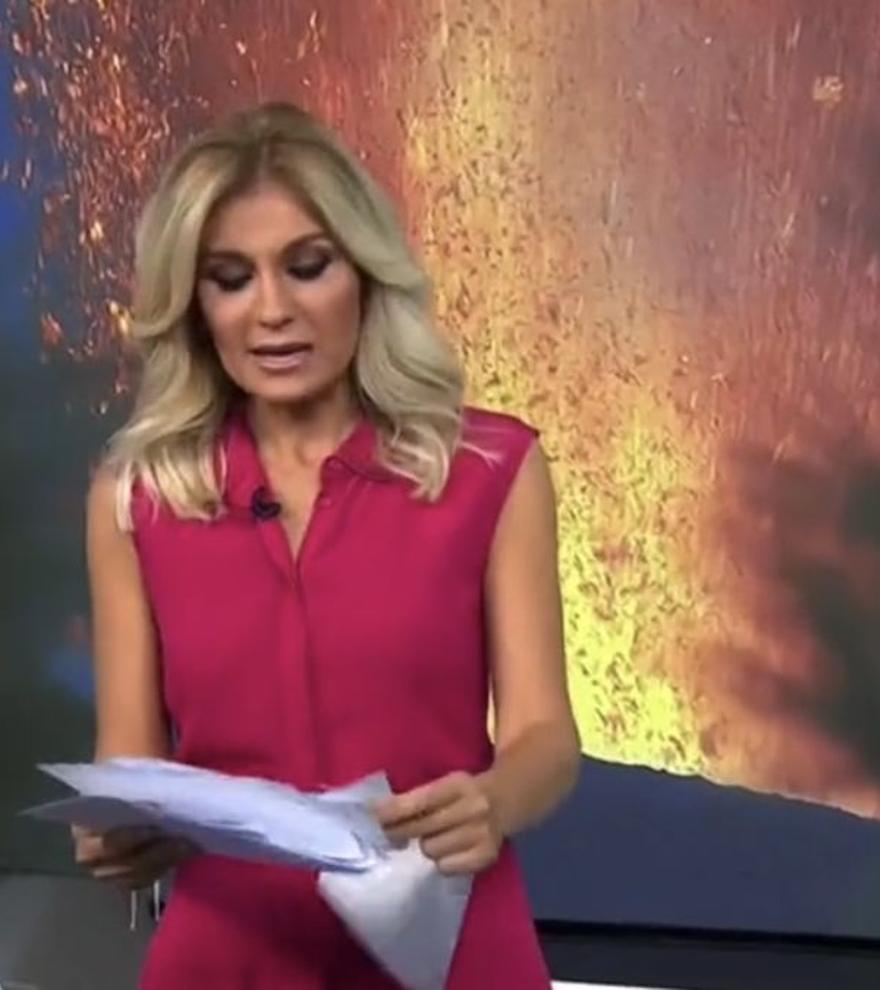 """Sandra Golpe resuelve como puede el accidentado inicio de 'Antena 3 Noticias': """"Hemos tenido aquí un lío"""""""
