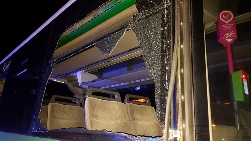 Guagua robada y coche de la Policía Local
