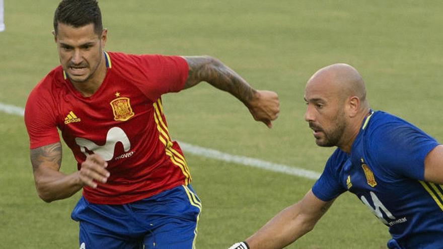 Pepe Reina también anima a comprar acciones del Real Murcia