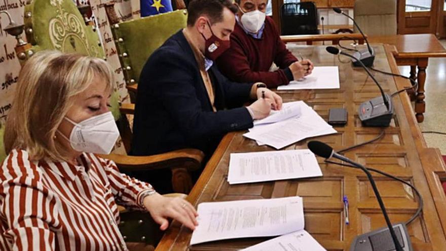 Convenios de colaboración entre el Ayuntamiento de Benavente y las asociaciones de Alzhéimer y Cáncer