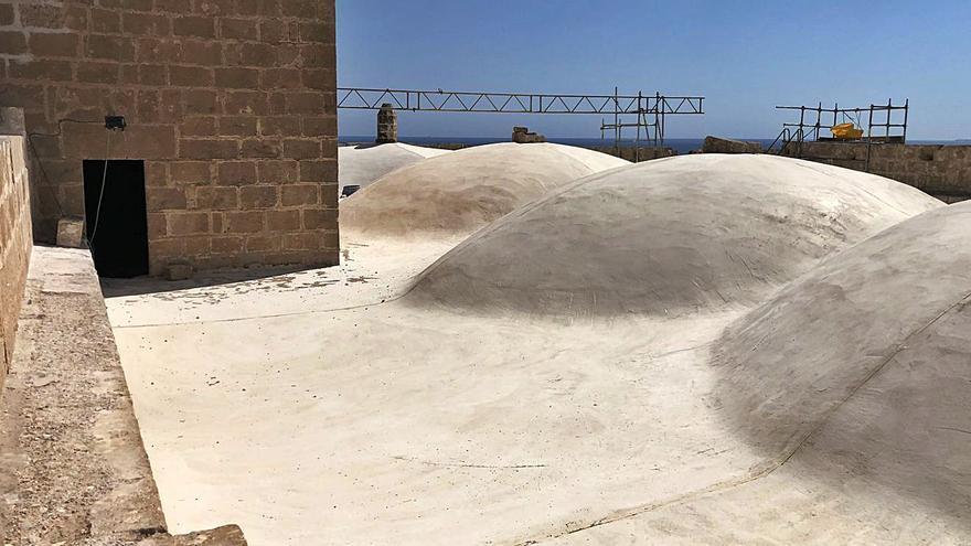 La iglesia de Xàbia recupera las tribunas que fueron refugio contra los piratas