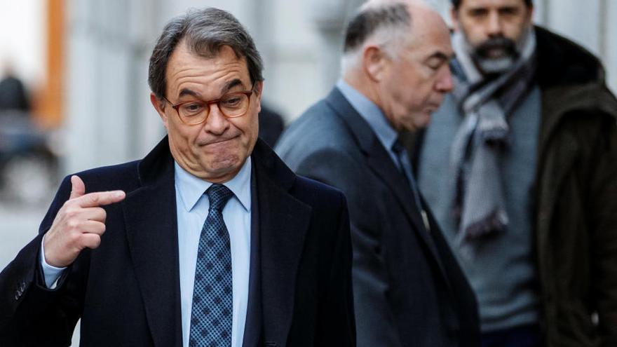 Artur Mas rompe con Carles Puigdemont y se queda en el PDECat