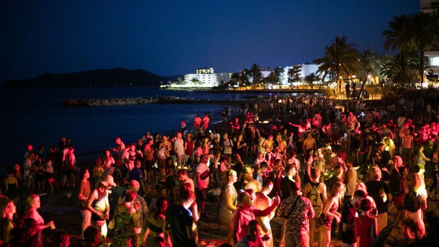 El Ayuntamiento de Ibiza cerrará las tres playas del municipio en la noche de San Juan