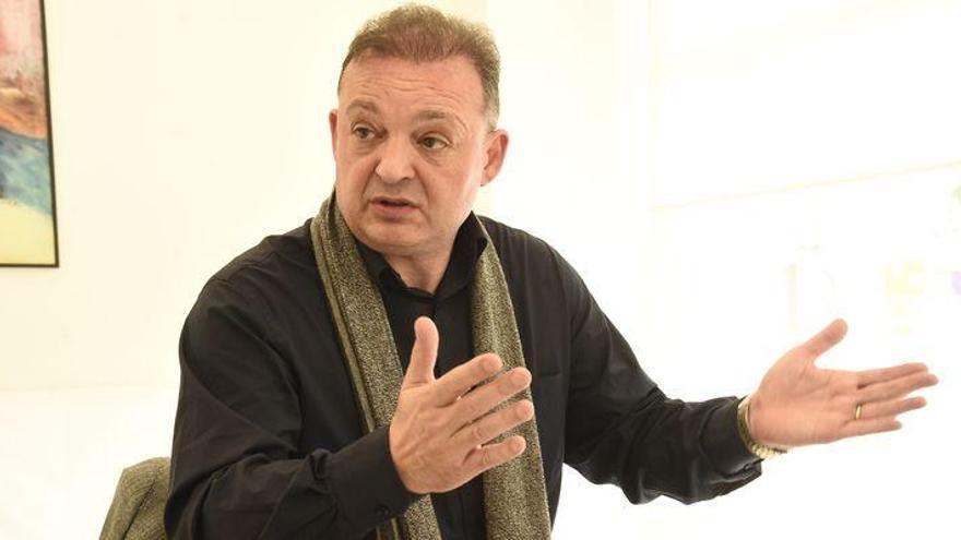 Garrido anuncia la renovación de Óscar Cano y su cuerpo técnico hasta el 2021