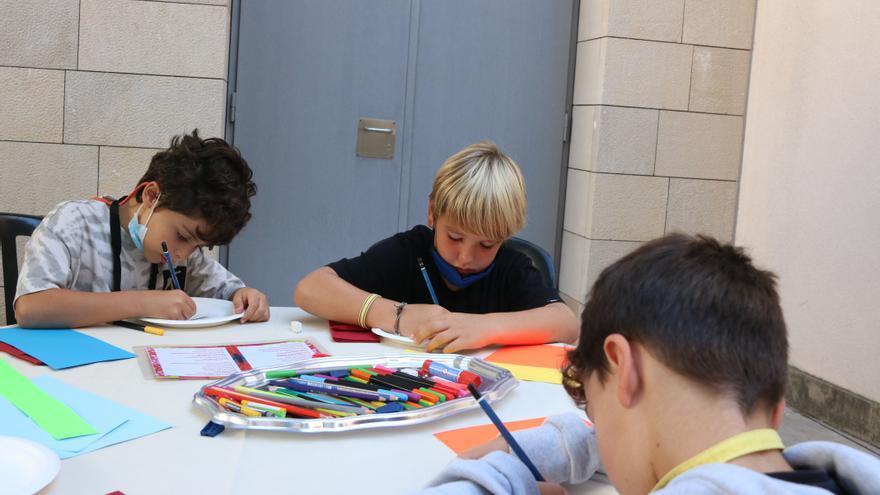 Madrid flexibilitza des d'avui l'ús de la mascareta a les escoles