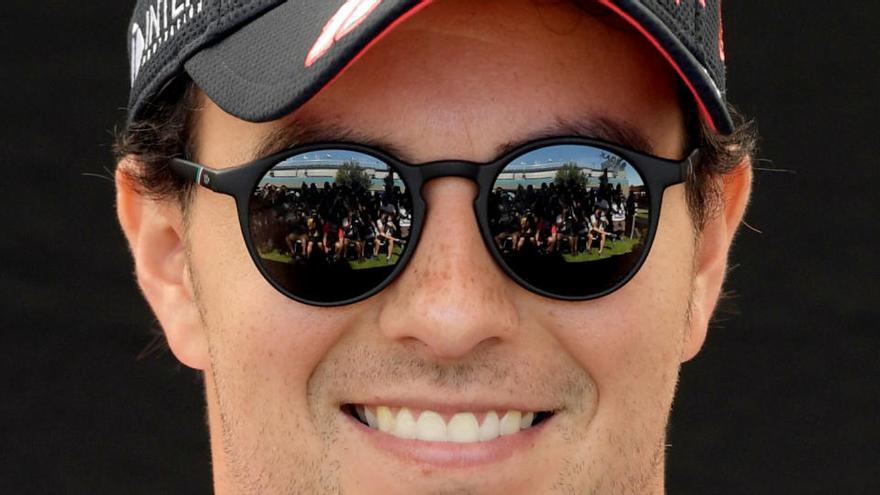 Pérez, positivo por COVID, no correrá en Silverstone