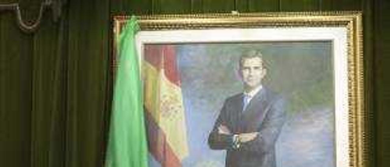 El cuadro tras ser descubierto por Díaz Naya y Bataller.