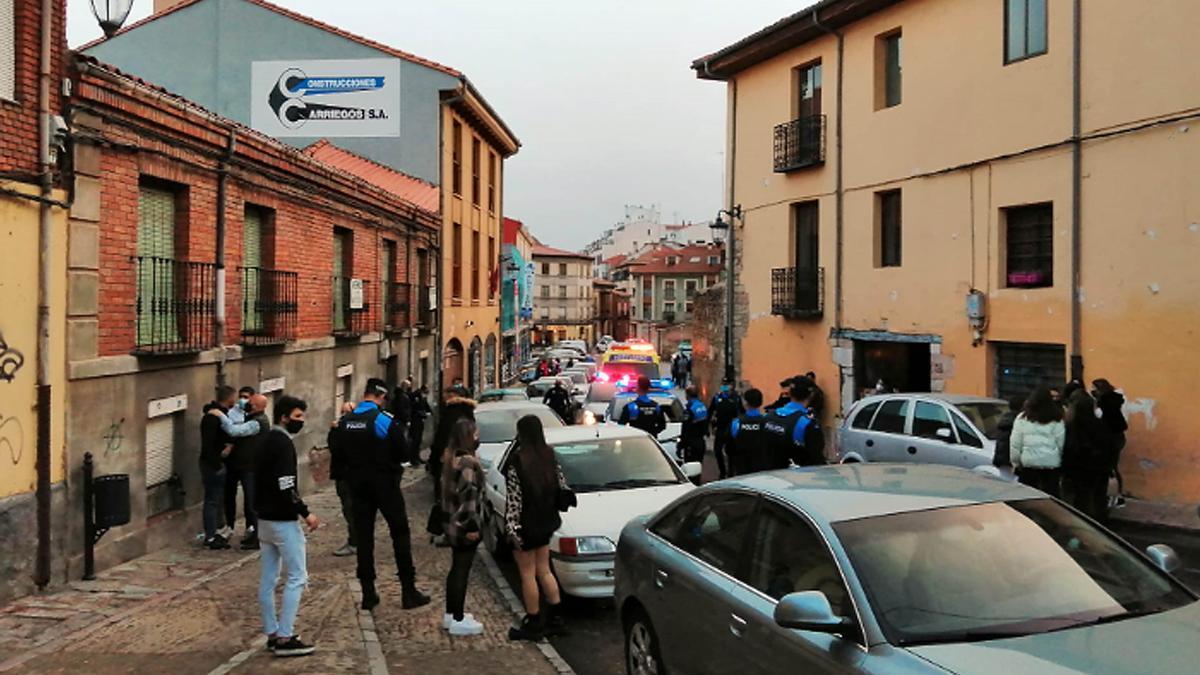 Herido un joven de unos 20 años por arma blanca en el casco antiguo de León.
