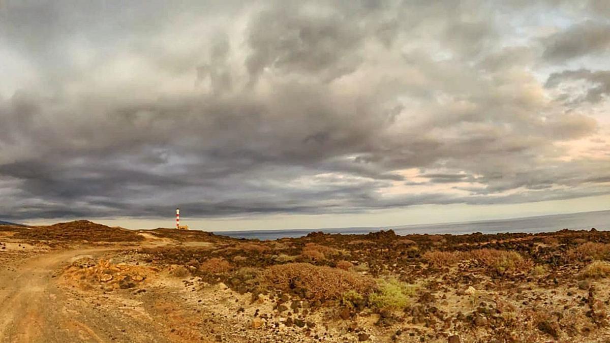 Panorámica de Punta de Abona, donde está proyectado el macrocomplejo turístico en la costa de Arico.