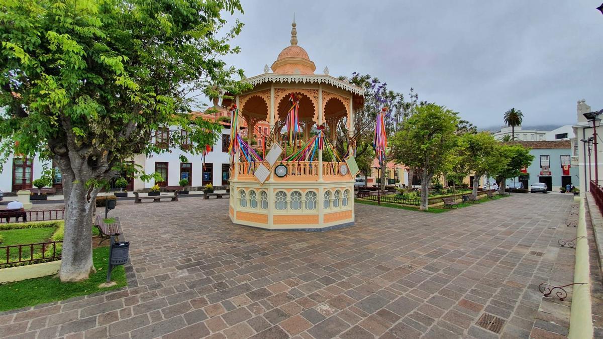 El bar de la plaza de La Constitución se ubica en el emblemático quiosco de La Orotava