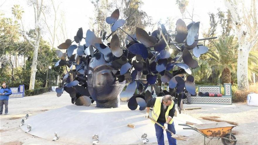 La escultura 'Mariposas' de Valdés deleita ya a los castellonenses en el parque Ribalta