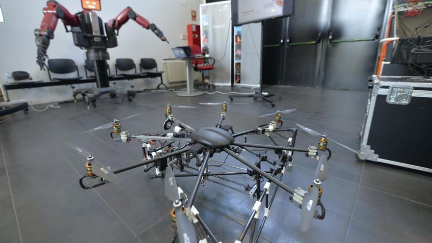 La factoría de Arcelor-Mittal en Avilés, pionera en la utilización de drones para tareas de vigilancia